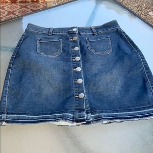 Guess skirt size Large